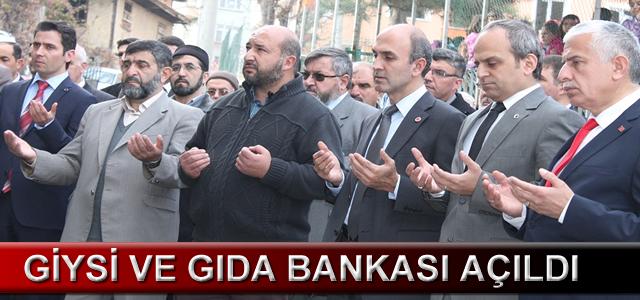 giysi_ve_gida_bankasi_acildi_h5125
