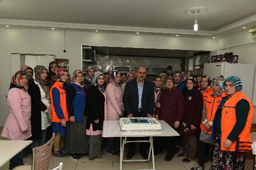 KASTAMONU'DA ŞAH ÇANTA FİRMASINDAN KADIN ÇALIŞANLARINA BÜYÜK JEST..