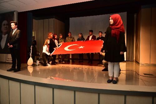 18 Mart Çanakkale Zaferi Anma Programında TOSYA – Hasan Rıza Paşa Mesleki ve Teknik Anadolu Lisesi Öğrencileri İzleyenleri Büyüledi…