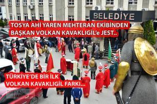 """TOSYA AHİ YAREN MEHTERANDAN BAŞKAN KAVAKLIGİL'e HAYIRLI OLSUN ZİYARETİ ve """"JEST'E JEST"""".."""